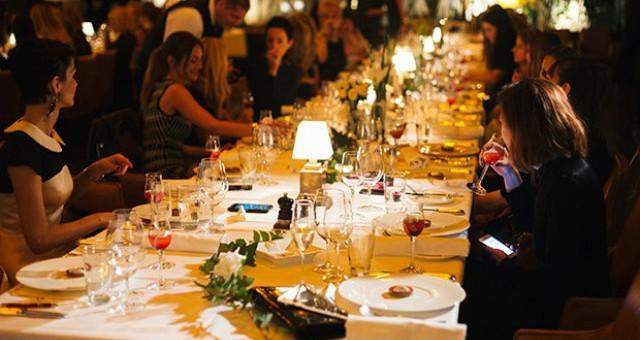 ELLE FASHION DINNER: Magazin Elle slavi žensku solidarnost!