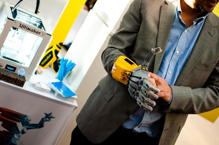 ruka-robota-odusevila-sve-generacije-foto-aleksandar-andelic