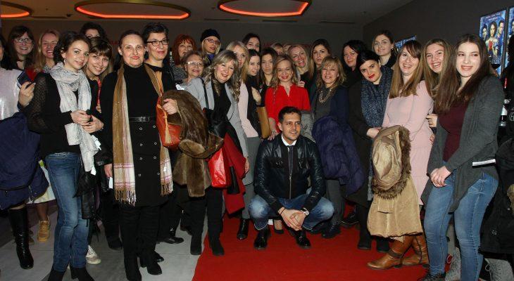 "Povodom Dana žena zaposlene u AMG uživale na premijeri ruskog filma ""Led"""
